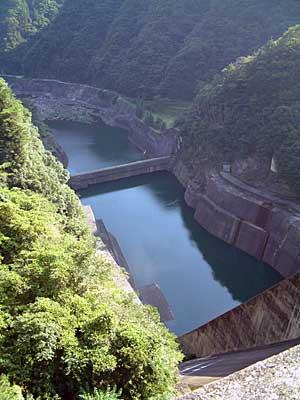 佐久間ダムの副ダム